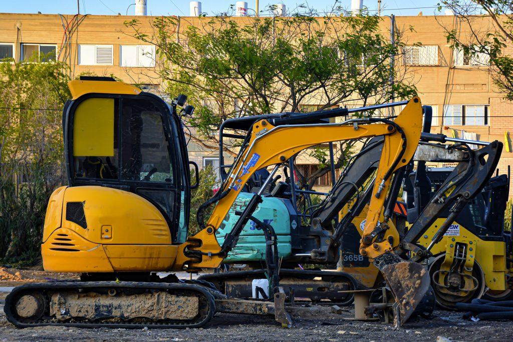Mini Excavator Rental in California 5