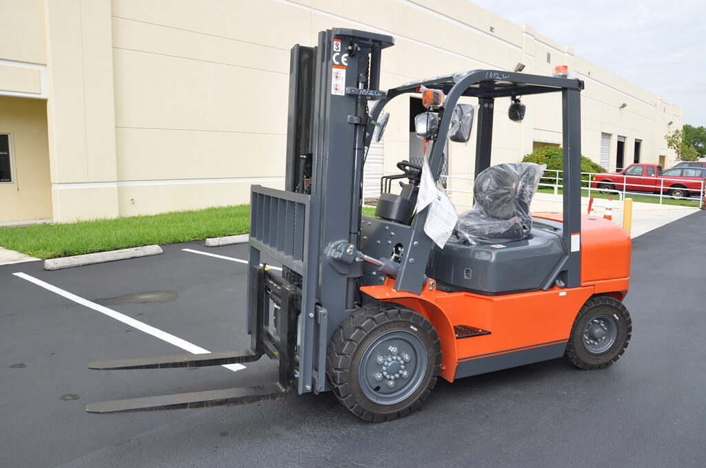 Rough Terrain Forklift Rental in Colorado 1