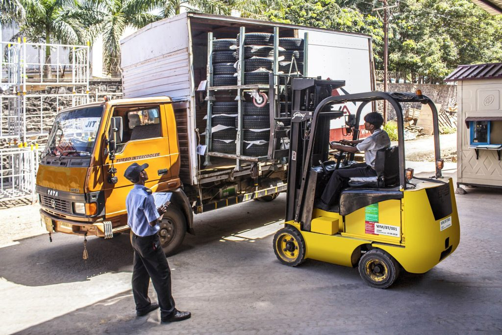 Warehouse Forklift Rental in Colorado 6